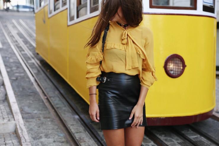 Lisboa #3: Mustard blouse